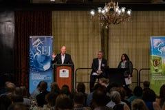 加利福尼亚州长埃德蒙G 布朗小 发言在2016个SEJ会议11上 免版税库存图片