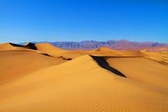 加利福尼亚死亡沙丘铺沙谷 免版税库存图片