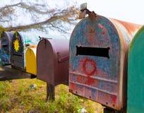 加利福尼亚沿和平的高速公路路线1的难看的东西邮箱 库存照片