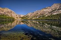 加利福尼亚湖tenaya优胜美地 图库摄影