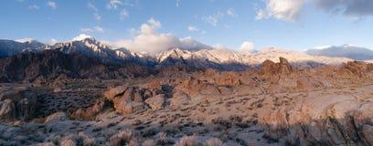 加利福尼亚高山全景阿拉巴马小山内华达山范围加州 免版税图库摄影