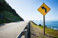 加利福尼亚,太平洋有箭头标志的美国101 免版税库存图片