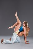加勒比夫妇跳舞辣调味汁年轻人 免版税库存图片