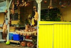 加勒比妇女在农业市场上 库存照片