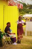 加勒比妇女在市场上 库存图片