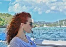 加勒比小船旅行 美好的秀丽注视构成自然本质纵向妇女 圣文森特和格林纳丁斯 库存图片