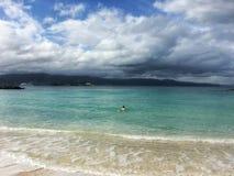 加勒比海和美丽的海滩在牙买加 免版税库存图片