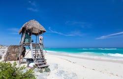 加勒比海滩和海运 库存照片