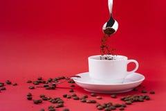 加奶咖啡杯子 免版税库存照片