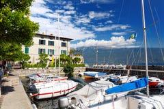 加尔尼亚诺、一个小镇和comune美丽的景色在布雷西亚省,在伦巴第 库存照片