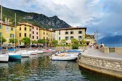 加尔尼亚诺,意大利- 2016年9月18日:加尔尼亚诺、一个小镇和comune美丽的景色在布雷西亚省,在伦巴第 免版税库存照片