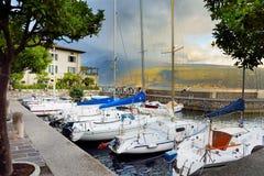 加尔尼亚诺,意大利- 2016年9月18日:加尔尼亚诺、一个小镇和comune美丽的景色在布雷西亚省,在伦巴第 免版税库存图片