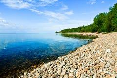 贝加尔湖不尽的岸  免版税库存图片