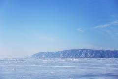 贝加尔湖冰 蓝天 33c 1月横向俄国温度ural冬天 库存照片