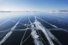 贝加尔湖冰  33c 1月横向俄国温度ural冬天 库存图片