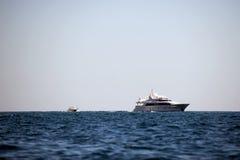 贝加尔湖小船湖马达全景 图库摄影