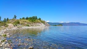 贝加尔湖湖 岩石海角Shamanka在Sludyanka 免版税库存图片