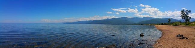 贝加尔湖湖 美好的全景 免版税库存照片