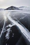 贝加尔湖湖 崩裂冰 33c 1月横向俄国温度ural冬天 图库摄影