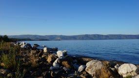 贝加尔湖,僧人 免版税库存图片