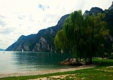 加尔达湖风景  免版税库存图片