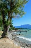 加尔达湖,垂直 免版税库存照片
