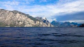 加尔达湖, Lago di加尔达 免版税库存图片