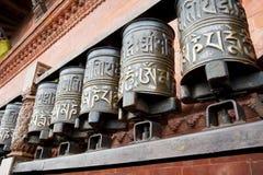 加德满都尼泊尔祷告swayambunath轮子 库存照片