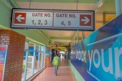 加德满都,尼泊尔, 2017年11月15日:门的数字的情报标志人们必须上,在里面 库存照片