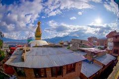 加德满都,尼泊尔2017年10月15日:与菩萨的眼睛的美好的风景Bodhnath的Stupa在加德满都,尼泊尔 库存照片