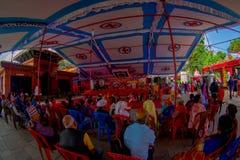 加德满都,尼泊尔- 2017年9月04日:人人群在的Bindabasini寺庙里面的,是伟大的宗教重要 库存图片