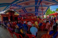 加德满都,尼泊尔- 2017年9月04日:人人群在的Bindabasini寺庙里面的,是伟大的宗教重要 免版税图库摄影