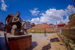加德满都,尼泊尔2017年10月15日:在户外的扔石头的雕塑接近一个Durbar广场在加德满都,尼泊尔的首都 免版税库存图片