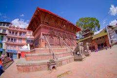 加德满都,尼泊尔2017年10月15日:狮子雕象,在印度寺庙的北部入口,加德满都谷地 免版税库存照片