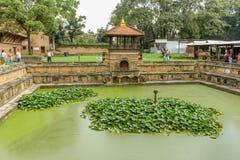 加德满都,尼泊尔- 2016年11月03日:Bhandarkhal储水箱,一次主要供应宫殿的水, Patan Durbar广场 免版税库存图片