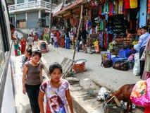 加德满都,尼泊尔人们和街道  免版税图库摄影