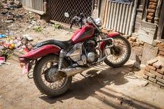 加德满都, NEPAL-MARCH 16 :摩托车16日2015年在加德满都,棉结 免版税库存图片