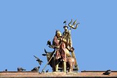 在加德满都Durbar广场的Shiva雕象 免版税库存图片