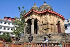 在加德满都Durbar广场的Kotilingeshvar寺庙 免版税库存图片