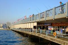 加拉塔桥梁的看法在伊斯坦布尔,土耳其 库存照片