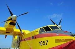 加拿大人的CL415火轰炸机 免版税库存照片