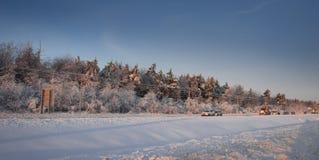 加拿大冬天冰冷的公路状况 库存图片