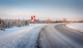 加拿大冬天冰冷的公路状况 免版税库存图片