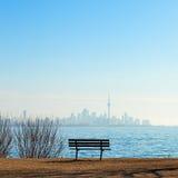 加拿大国家电视塔和城市地平线多伦多视图  库存照片