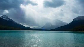 加拿大湖山 股票录像
