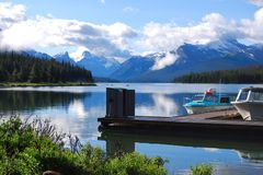 加拿大碧玉湖maligne国家公园 免版税库存照片