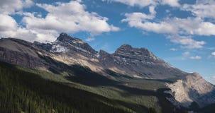 加拿大罗基斯的定期流逝在夏天 股票录像