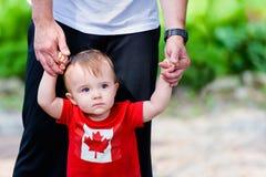 加拿大衬衣的小男孩 图库摄影