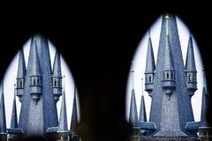 更加接近两个的塔 免版税库存照片