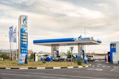 加油站俄罗斯天然气工业股份公司 别尔哥罗德州 俄国 免版税库存图片